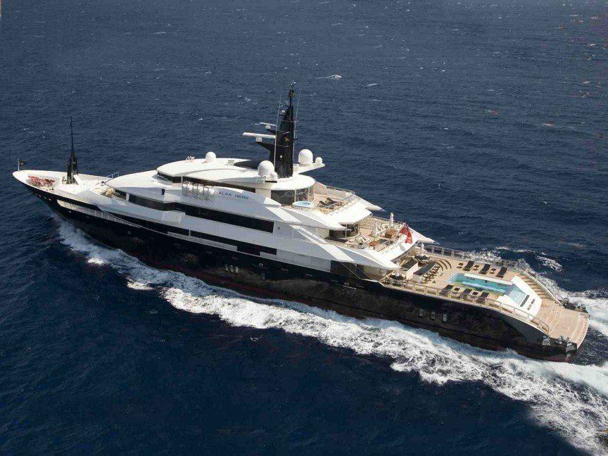 UNILAD 7seas7 The Worlds Most Expensive Yachts And The Billionaires Who Own Them
