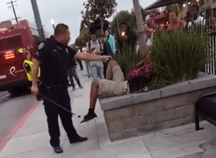 UNILAD Screen Shot 2015 09 17 at 15.41.17 copy5 Cop Hits Teen In Face With Baton For Jaywalking