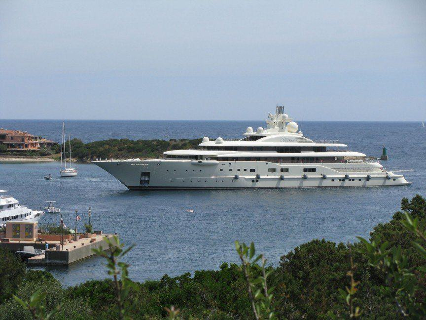 UNILAD dil6 The Worlds Most Expensive Yachts And The Billionaires Who Own Them