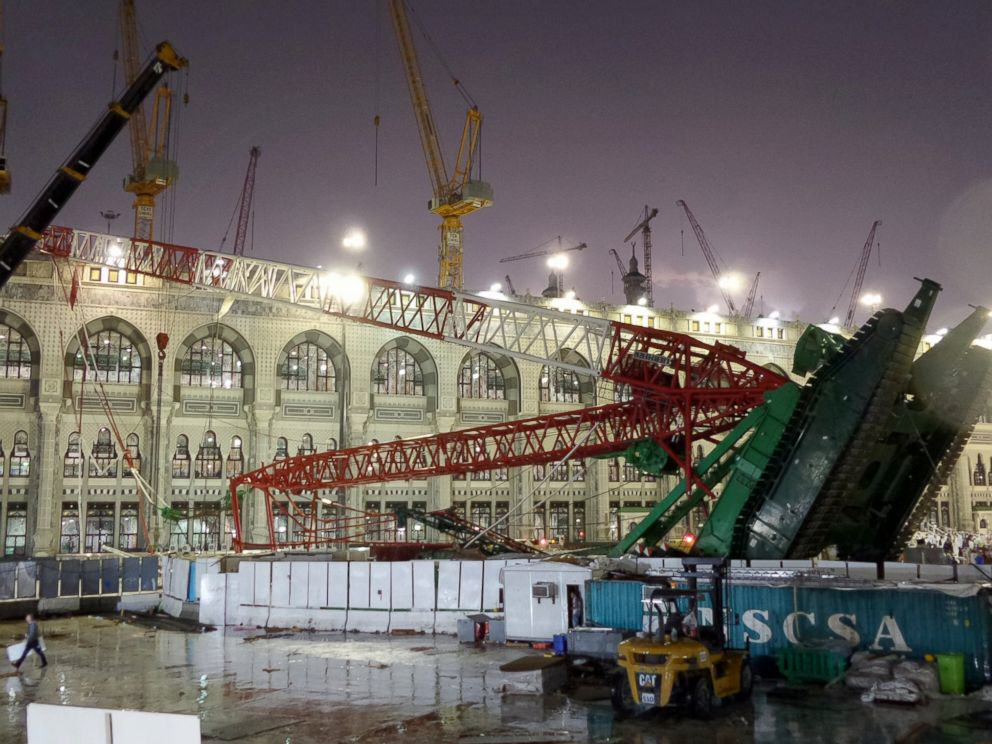 UNILAD mecca crane 28 107 Dead And Hundreds Injured In Mecca Crane Collapse