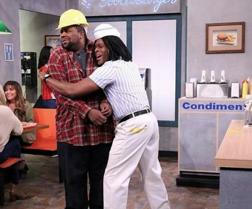kk Kenan And Kel Have Returned To Serve Good Burgers On The Jimmy Fallon Show