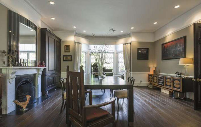 rickygervais lon32 Ricky Gervais Is Selling His London Gaff And Its NICE