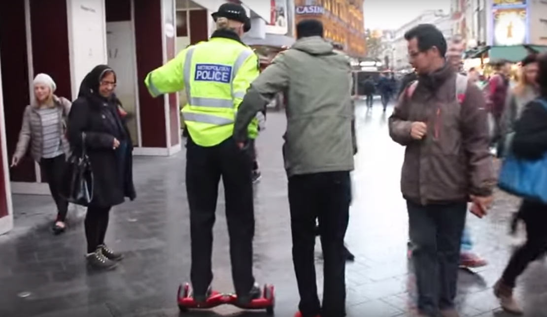 UNILAD 262027 These Lads Managed To Get A Policewoman To Ride An 'Illegal' Swegway