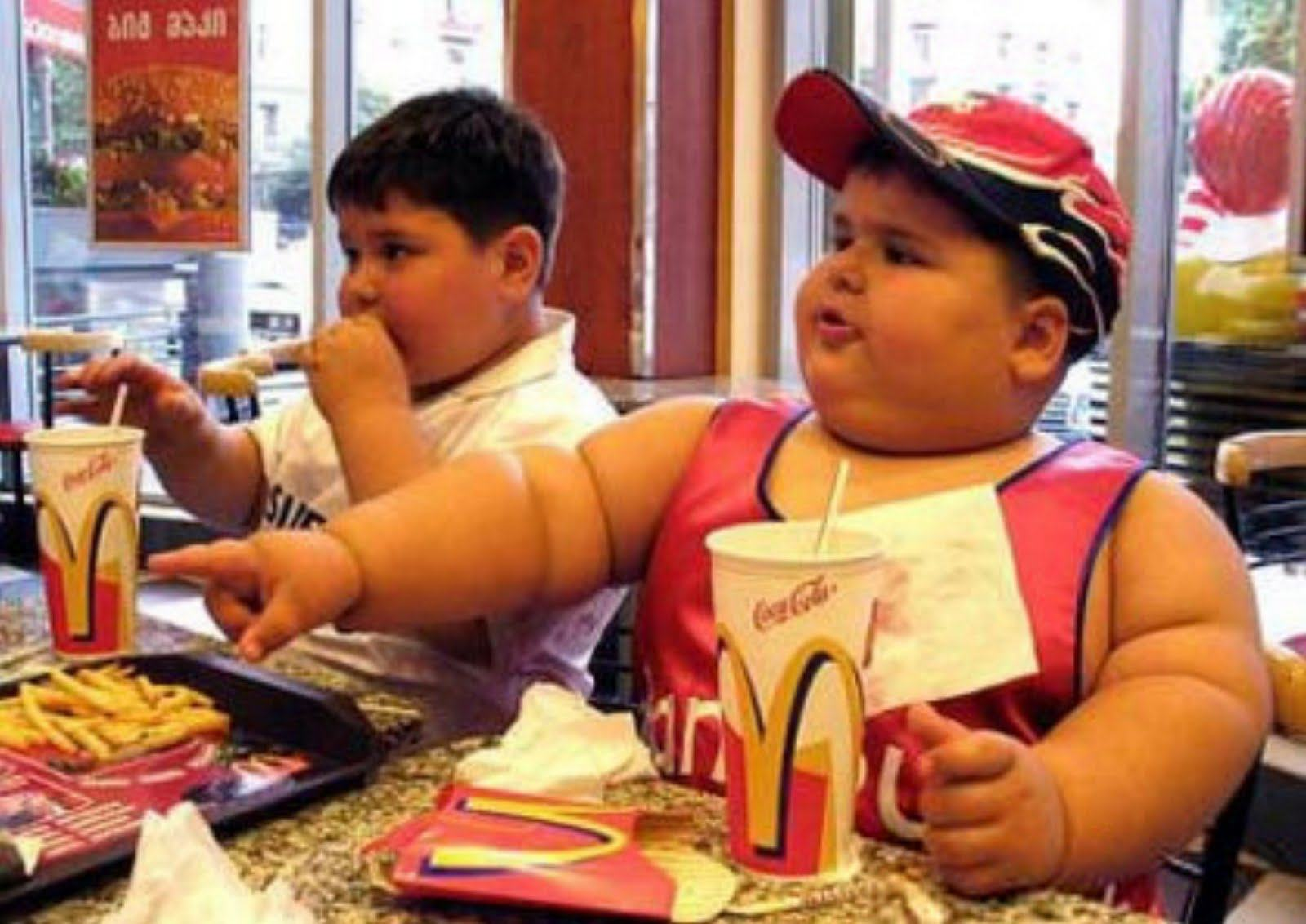 UNILAD fat kid mcdonalds 769134 76947175651 McDonalds Is Facing Its Final Days, According To Franchise Bosses