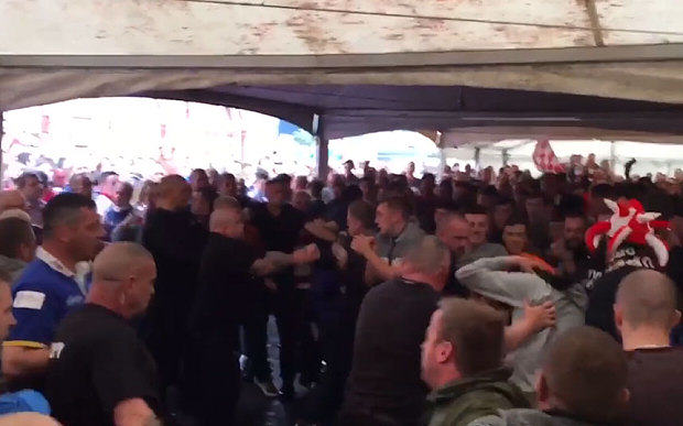 Mass Brawl Breaks Out Between Leeds Rhinos And Wigan Warriors Rugby Fans UNILAD mass brawl rugby9