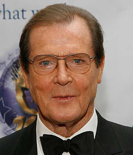Roger Moore Claims A Gay Or Female Bond Wouldnt Be Right UNILAD moore8164