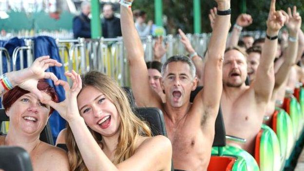 Thrill Seekers Strip Off For Naked Rollercoaster Charity Fundraiser Ride UNILAD nude rollercoaster 381525