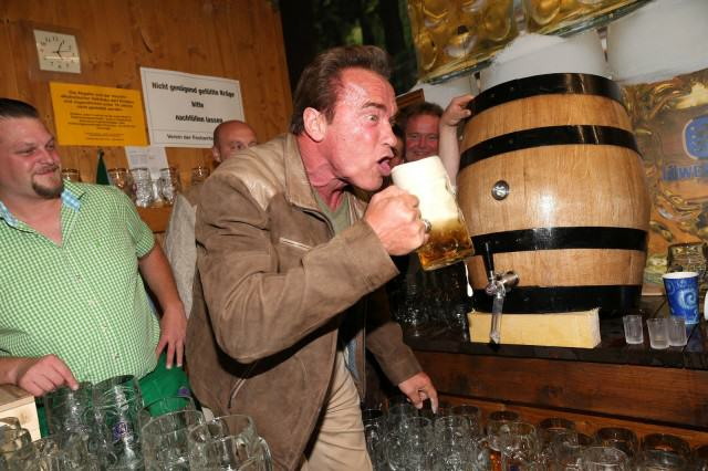 UNILAD okt Arnie60890 640x426 The Classic And Messy Moments Of Oktoberfest 2015 (NSFW)