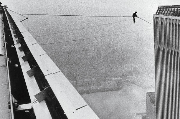 UNILAD philippe petit 014 Incredible Photos Show The Original Death Defying World Trade Center Walk