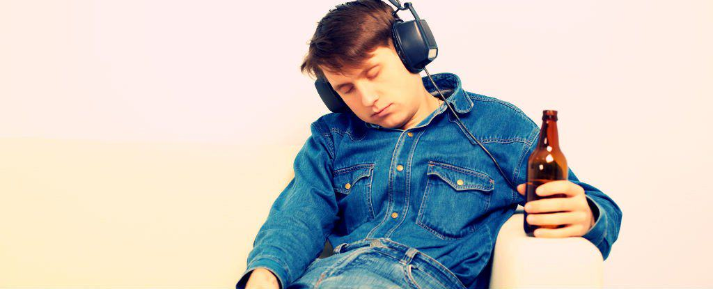 UNILAD pzAxeShutterstock.com 12504 Science Says Listening To Music Can Help A Hangover