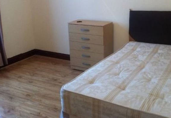UNILAD renter web12140 London Room Is Available For £1 Per Month, Obviously Theres A Catch