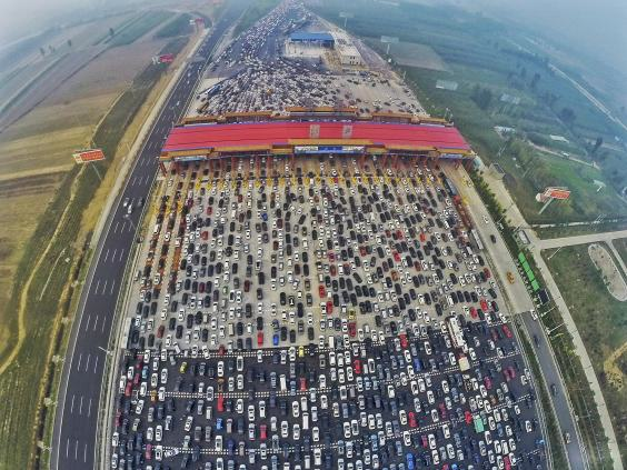 UNILAD traffic china11 This Traffic Jam Footage From A 50 Lane Chinese Motorway Is Ridiculous
