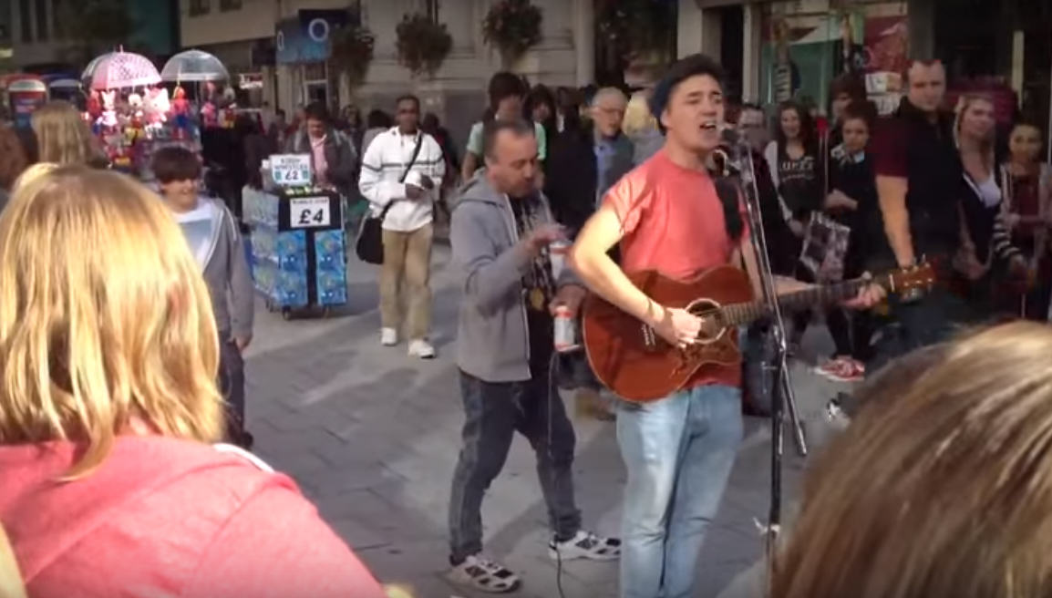UNILAD 240875 Drunk Man Tries To Bully Street Performer In Cardiff, Loses