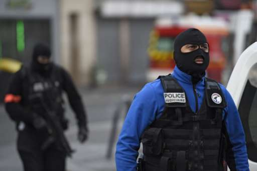 Two Terrorists Dead, Seven Arrested In Early Morning Raids In St Denis UNILAD AFP79735