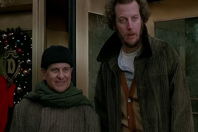 What's Happened To The Home Alone Cast After 25 years UNILAD wetbandits67887 640x426
