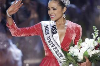 Miss Universe Dumped Tim Tebow 'Because He Wouldn't Have Sex With Her'