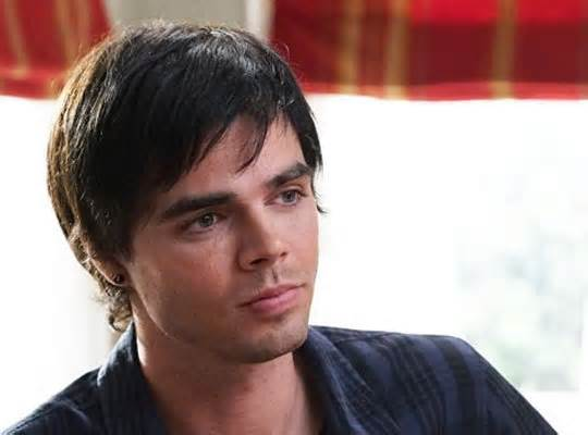 Actor Reveals Struggles With Plastic Surgery Addiction And Body Dysmorphia reid ewing 3