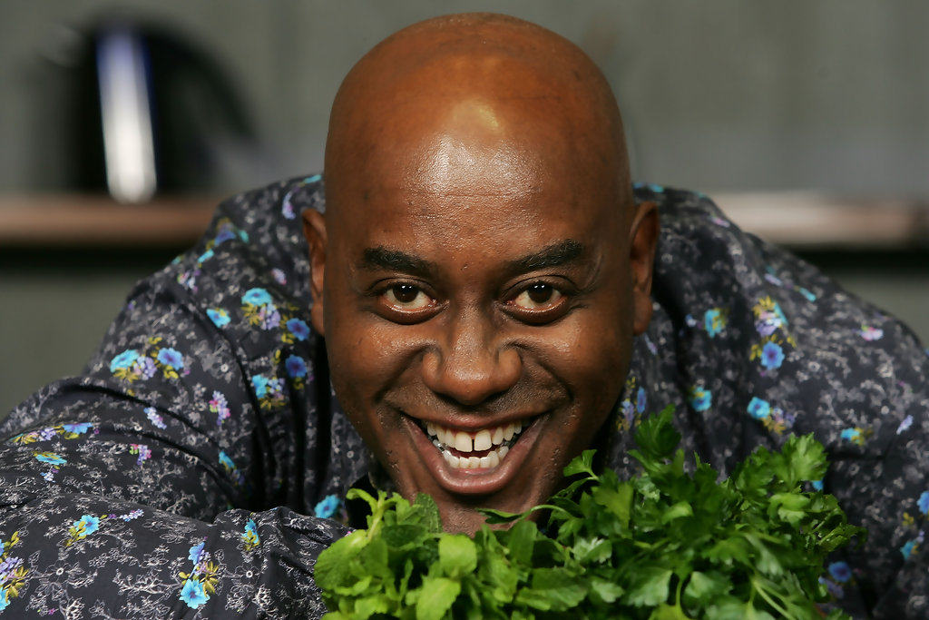 Chef Ainsley Harriot Promotes Cookbook Melbourne X8hqiHSYgOUx ITV News Confused Ainsley Harriott And Sir Lenny Henry, Internet Reacts Hilariously