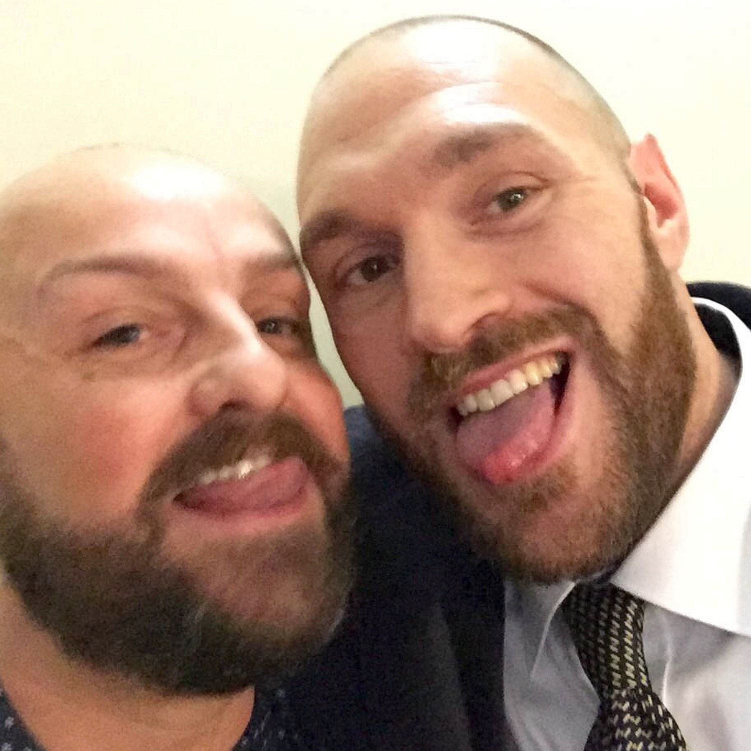 Homophobic Tyson Fury Pictured Kissing Gay Man In Bar Jim Clarke The Sun