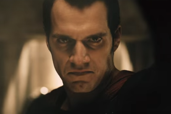Screen Shot 2015 12 01 at 1.01.16 pm Batman v Superman Releases A Sneak Peek Clip