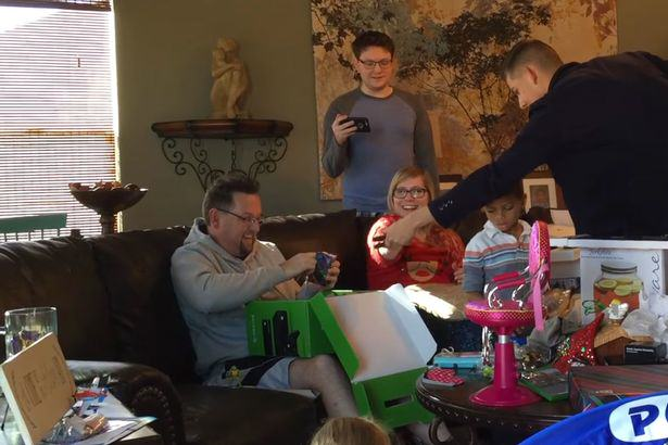 X box surprise Son Plays Revenge Xbox Prank On Dad And Its Absolutely Brilliant