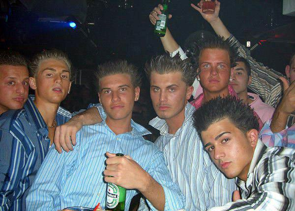 Five Peculiar Human Specimens Youre Guaranteed To Meet In The Club clubs douches
