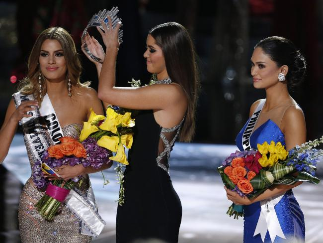 %name The Wrong Winner Gets Announced As Miss Universe 2015