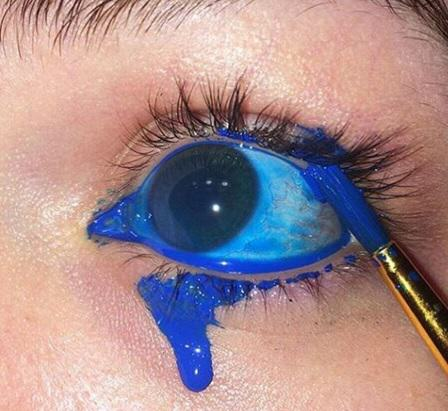 eye 5 NOPE: Terrifying Instagram Account Dedicated To Putting Stuff In Your Eye