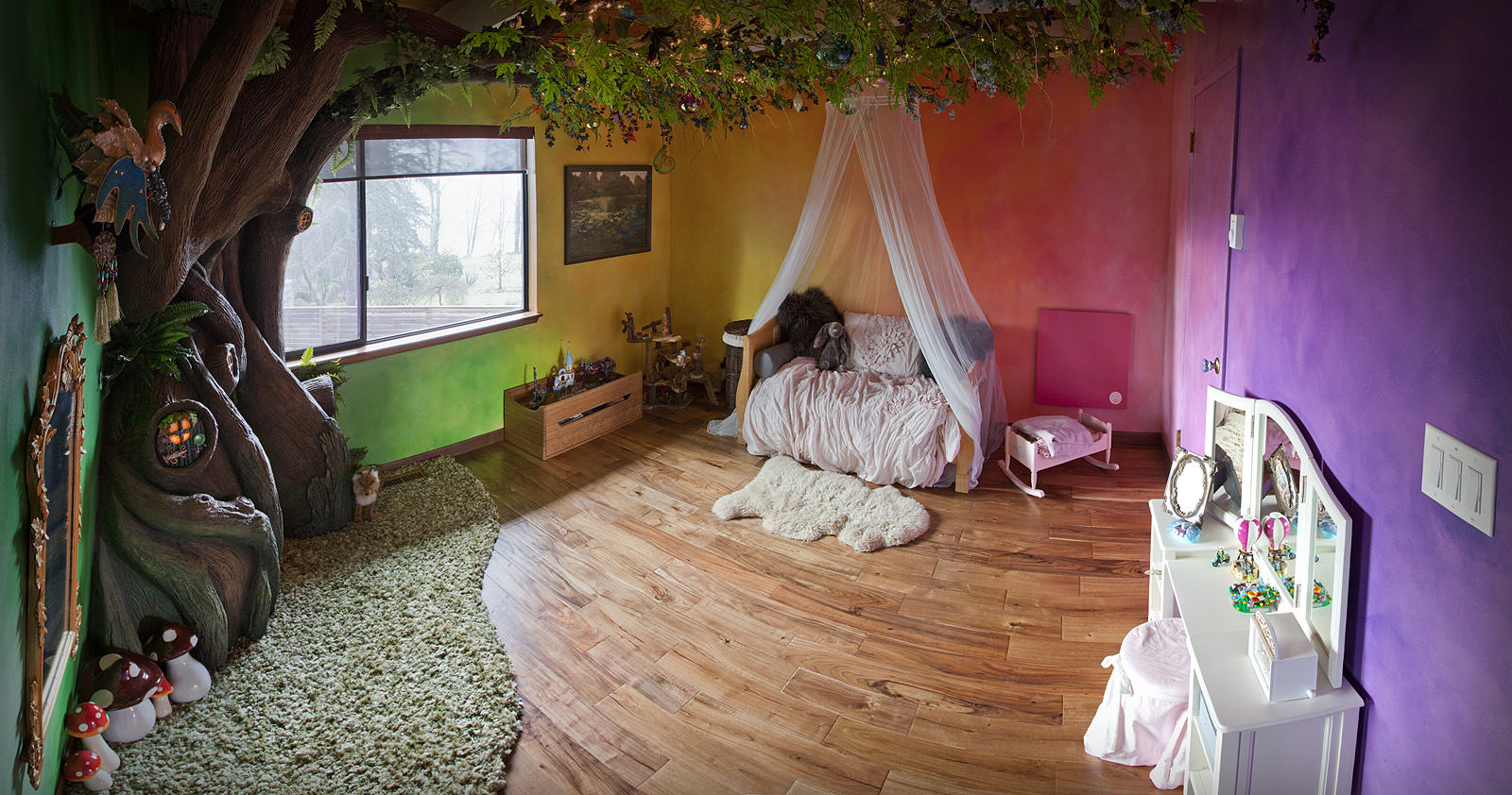 VDGvPhA This Dad Transformed His Daughters Bedroom Into A Magical Treehouse Kingdom
