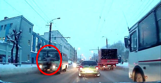 bus man 1 Video Shows Moment Man Attempts Suicide By Jumping In Front Of Bus
