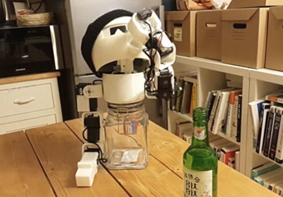 drinky robot WEB If Youre Lonely You Can Now Get Drunk With This Shot Downing Robot