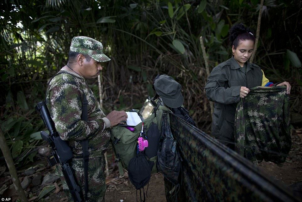 These Incredible Rare Photos Show Life Inside A FARC Jungle Camp farc8
