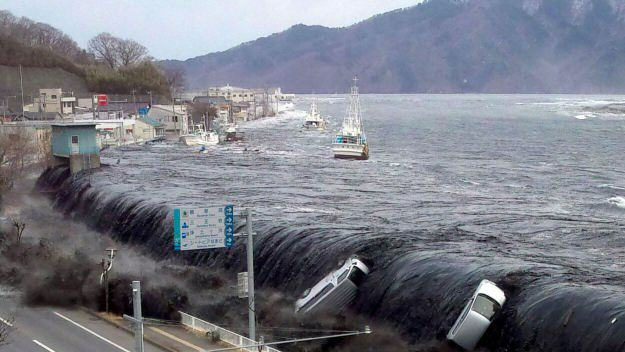 Taxi Drivers Have Been Picking Up Ghost Passengers In Tsunami Hit Town japan4