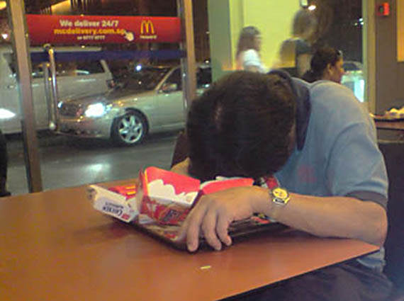 McDonalds And KFC Branches Are Banning Under 18s Without Adult Supervision 09 drunk mcdonalds