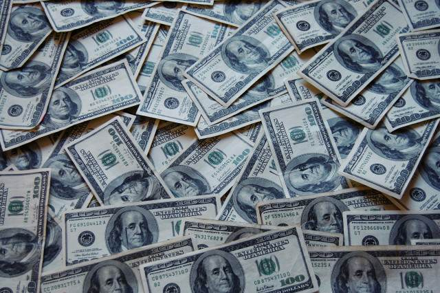 Money Cash 640x426 Forbes Releases Updated Rich List, It Will Make You Sick