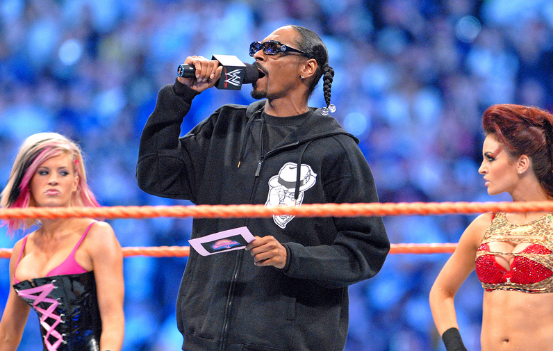 Screen Shot 2016 03 28 at 20.42.49 Snoop Dogg Set For Surprise Honour From The WWE