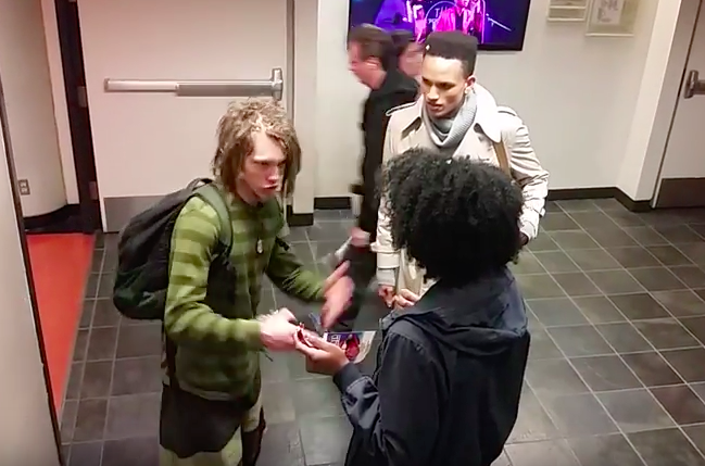 Screen Shot 2016 03 30 at 13.48.21 Video Of Black Student Harassing White Guy With Dreadlocks Goes Viral