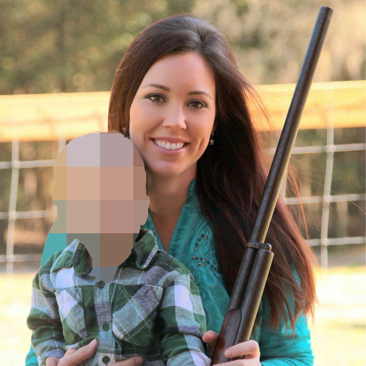 gilt2 Pro Gun Poster Girl Got Shot By Her 4 Year Old Son