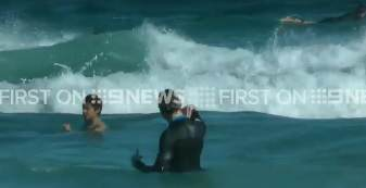jackman rescue Super Dad, Hugh Jackman, Saves Both His Kids From Riptide On Bondi Beach