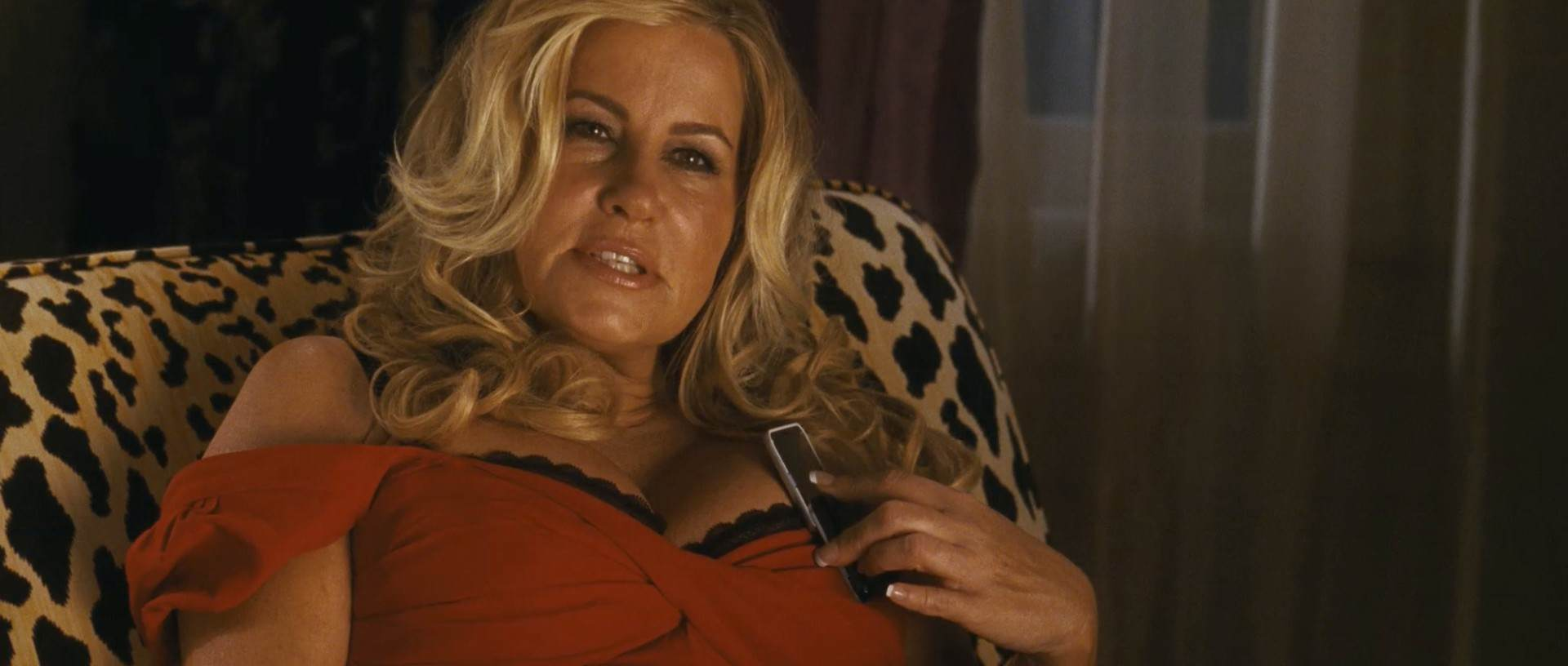 jennifer coolidge as stifler s mom in american We Spoke To A 20 Year Old Guy Whos Dating A Woman Twice His Age