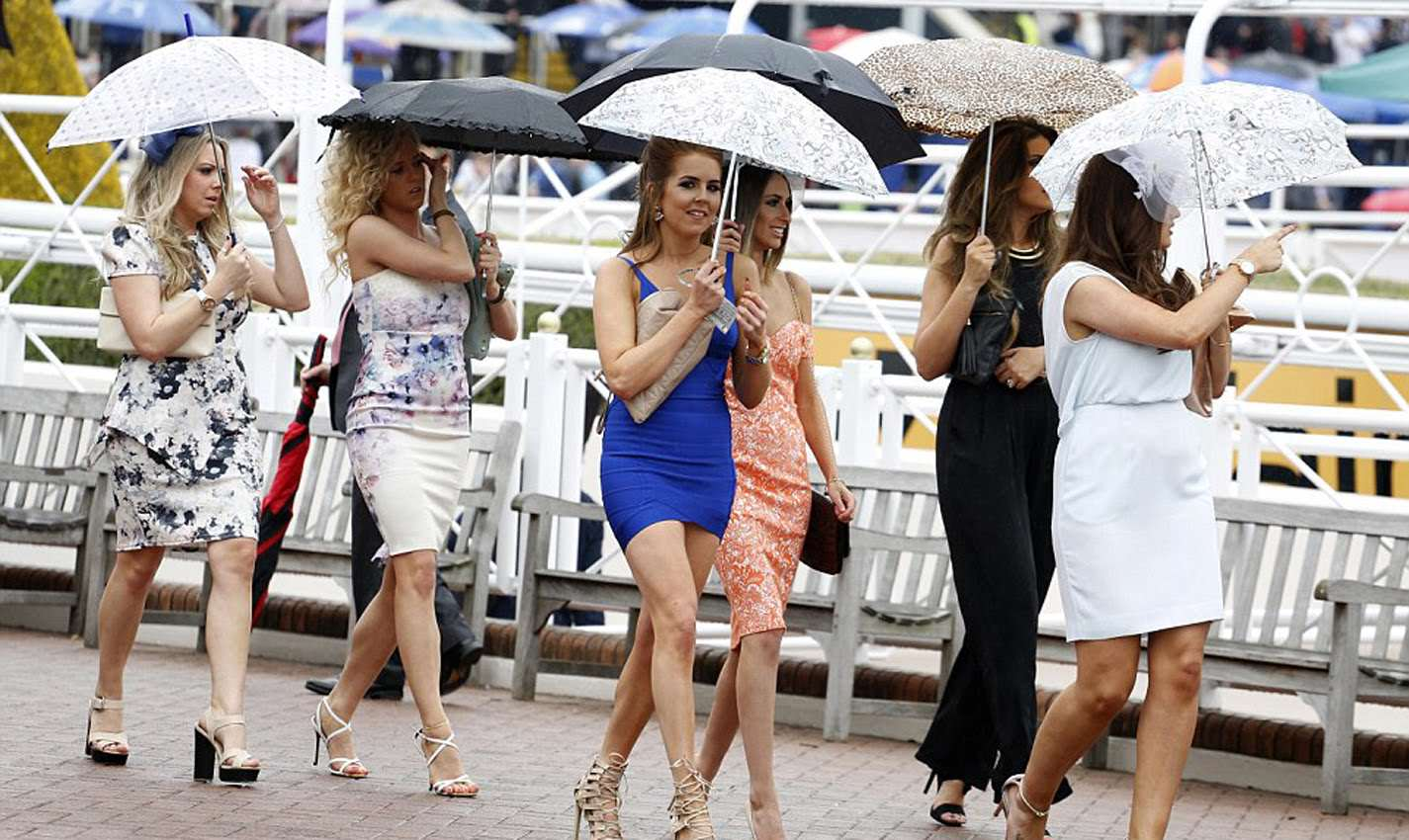 ladiesday Video Shows Brutal Five Woman Stiletto Brawl At The Races