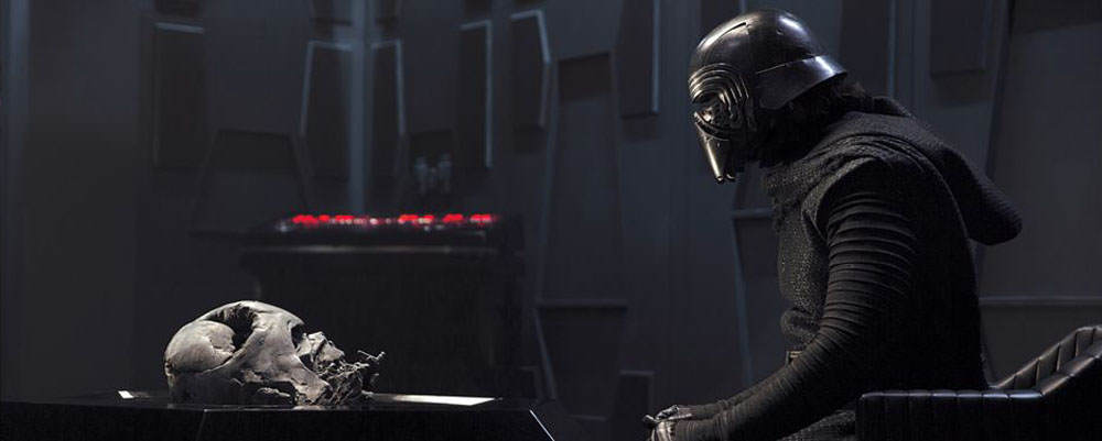 J.J. Abrams Has Revealed One Of Kylo Rens Dark Secrets Kylo Ren Vader Helmet Chamber