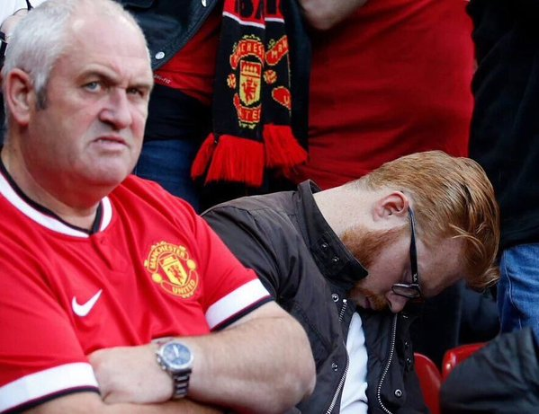 UNILAD Footballs Weekly Awards Man U fan asleep