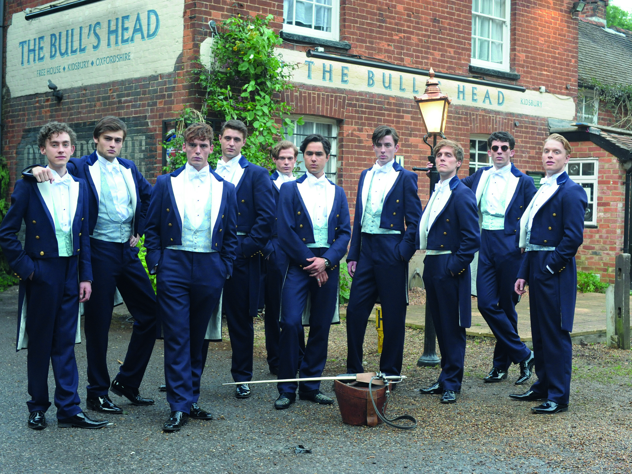 Wealthy Graduates Earn £8,000 More Than Poorer Ones, Report Reveals Riot Club Film Bullingdon Pose