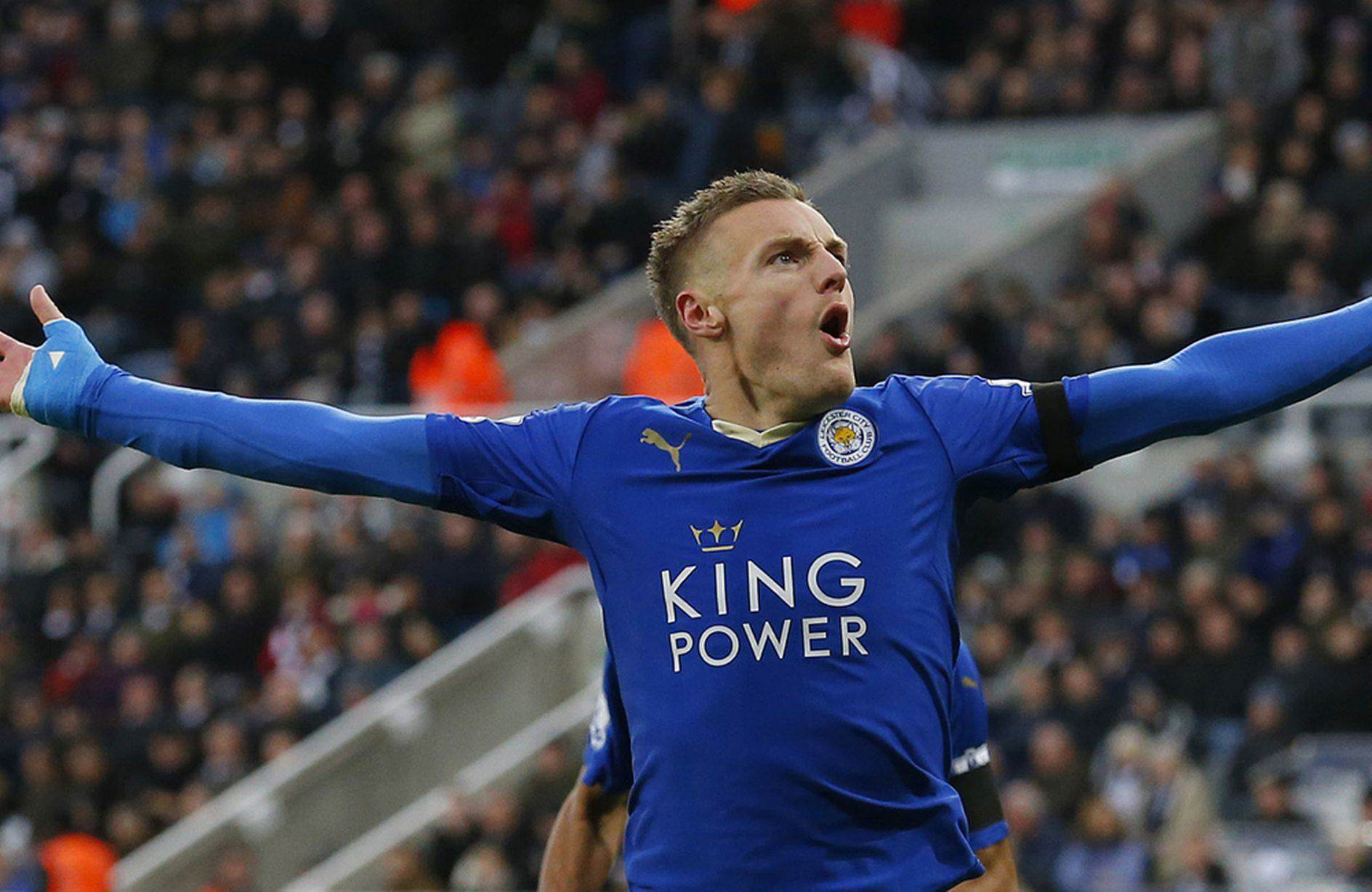 Vardy 3 Mirror 1 UNILAD Footballs Weekly Awards