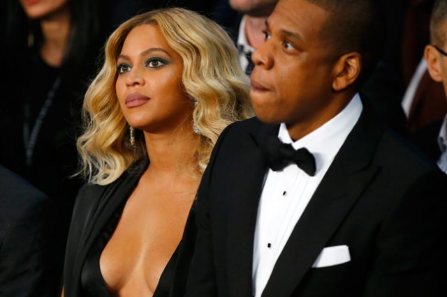 beyonce fb 640x426 Beyonces New Album Has Everyone Asking If Her And Jay Z Are Splitting