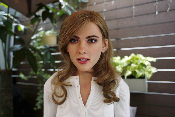 A Guy Has Built A Scarily Lifelike Scarlett Johansson Robot robot1