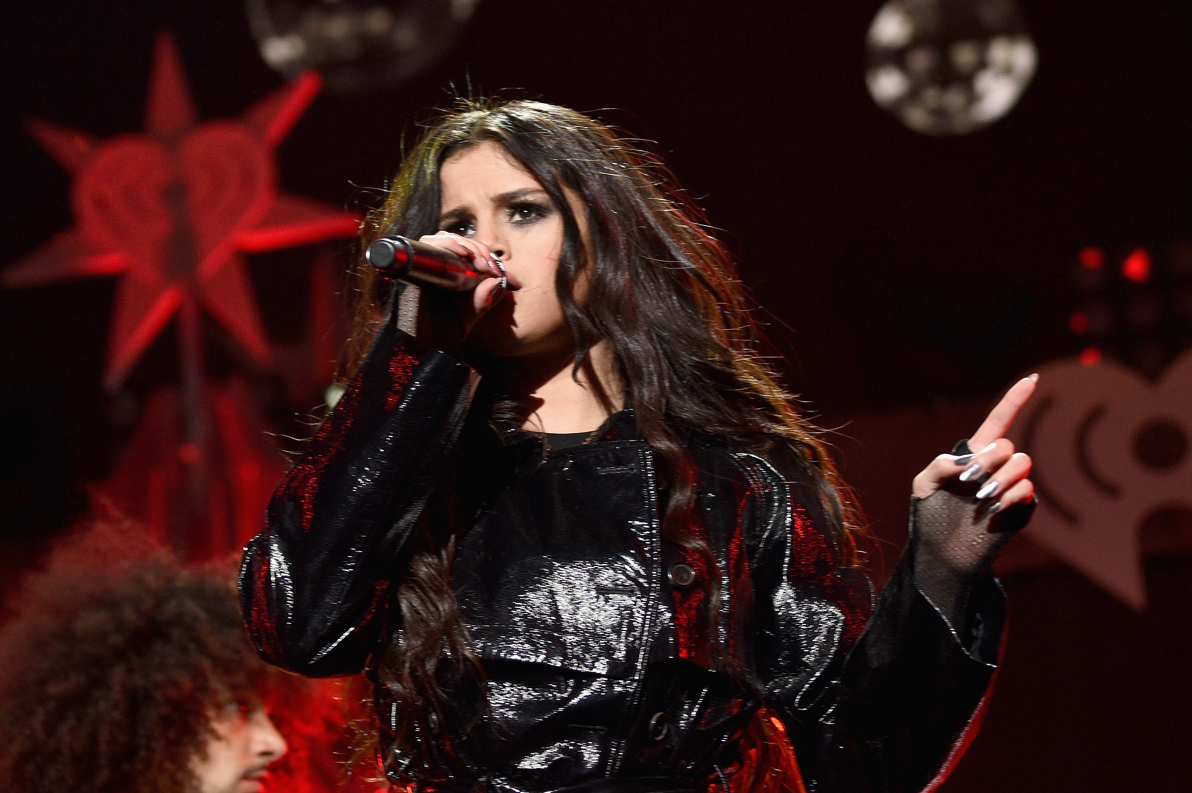GettyImages 501026630 Selena Gomez Trashes Justin Bieber On Stage
