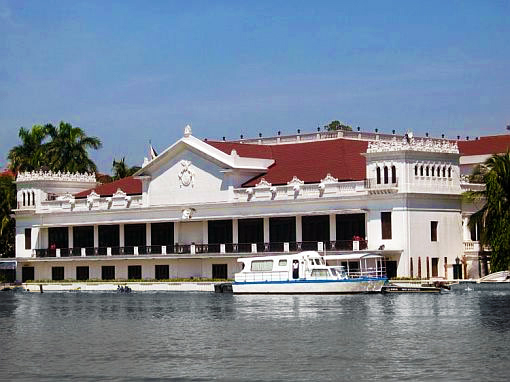 Malacanang palace view Filipino Presidential Palace Is So Haunted President Wont Move In