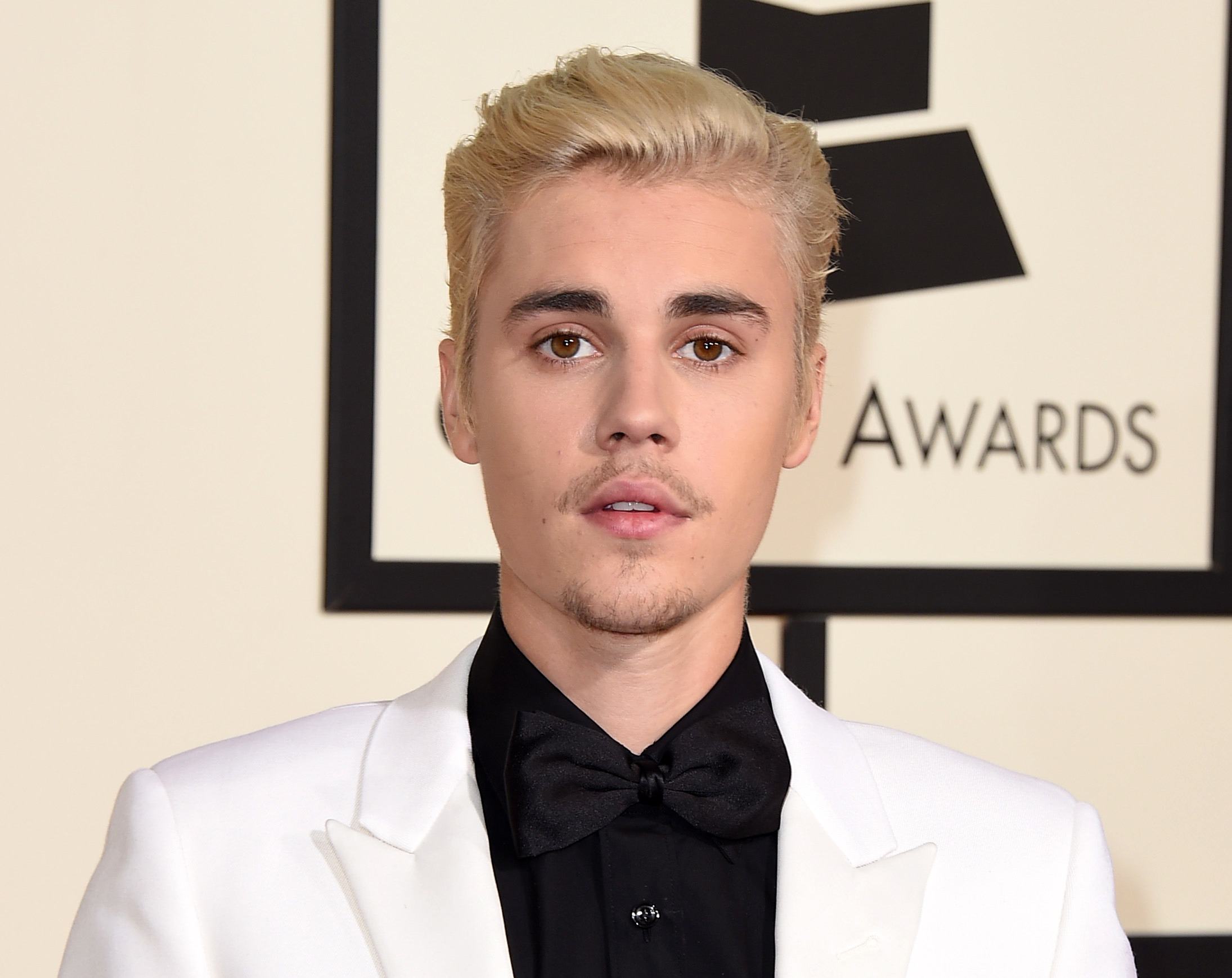 PA 25845854 Bieber Sued For $100K For Being An Utter W*nker